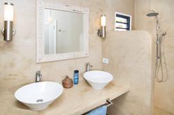 SM400 Bathroom 4