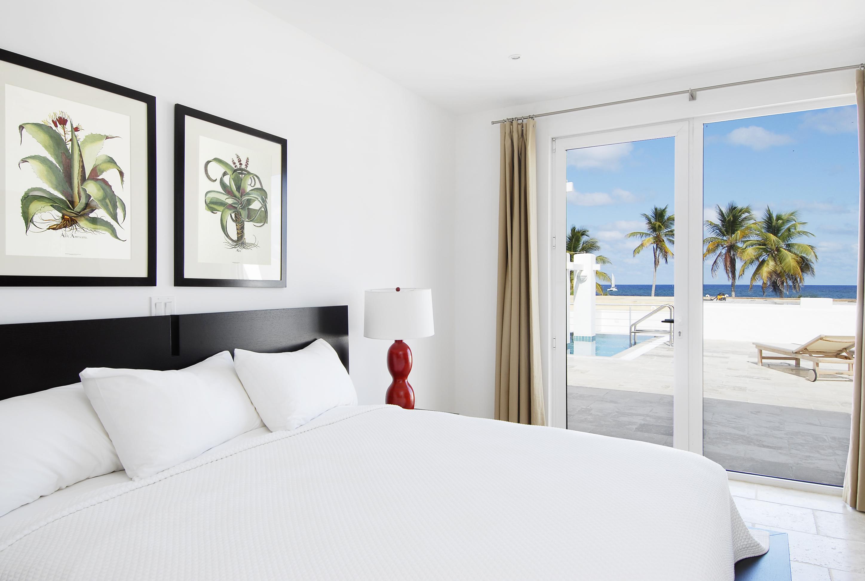 SM388 Beachview Villa Bedroom