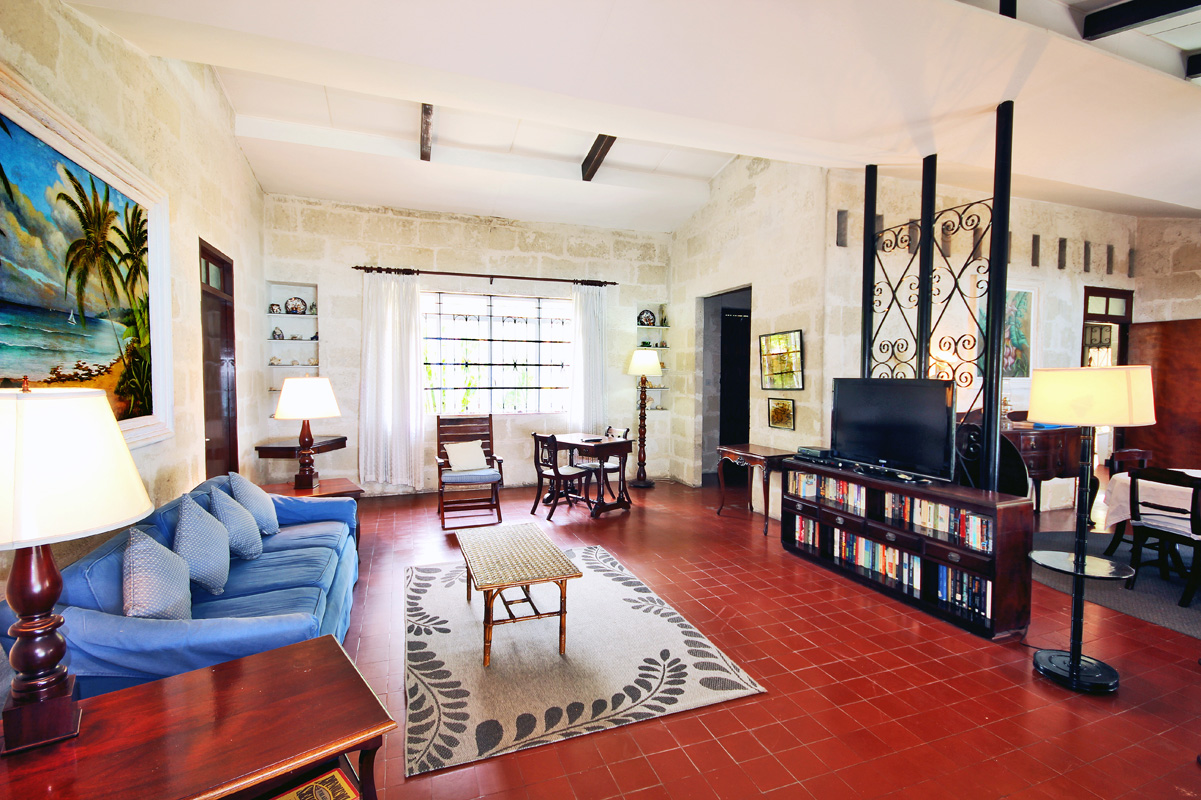 BB352 Living Room