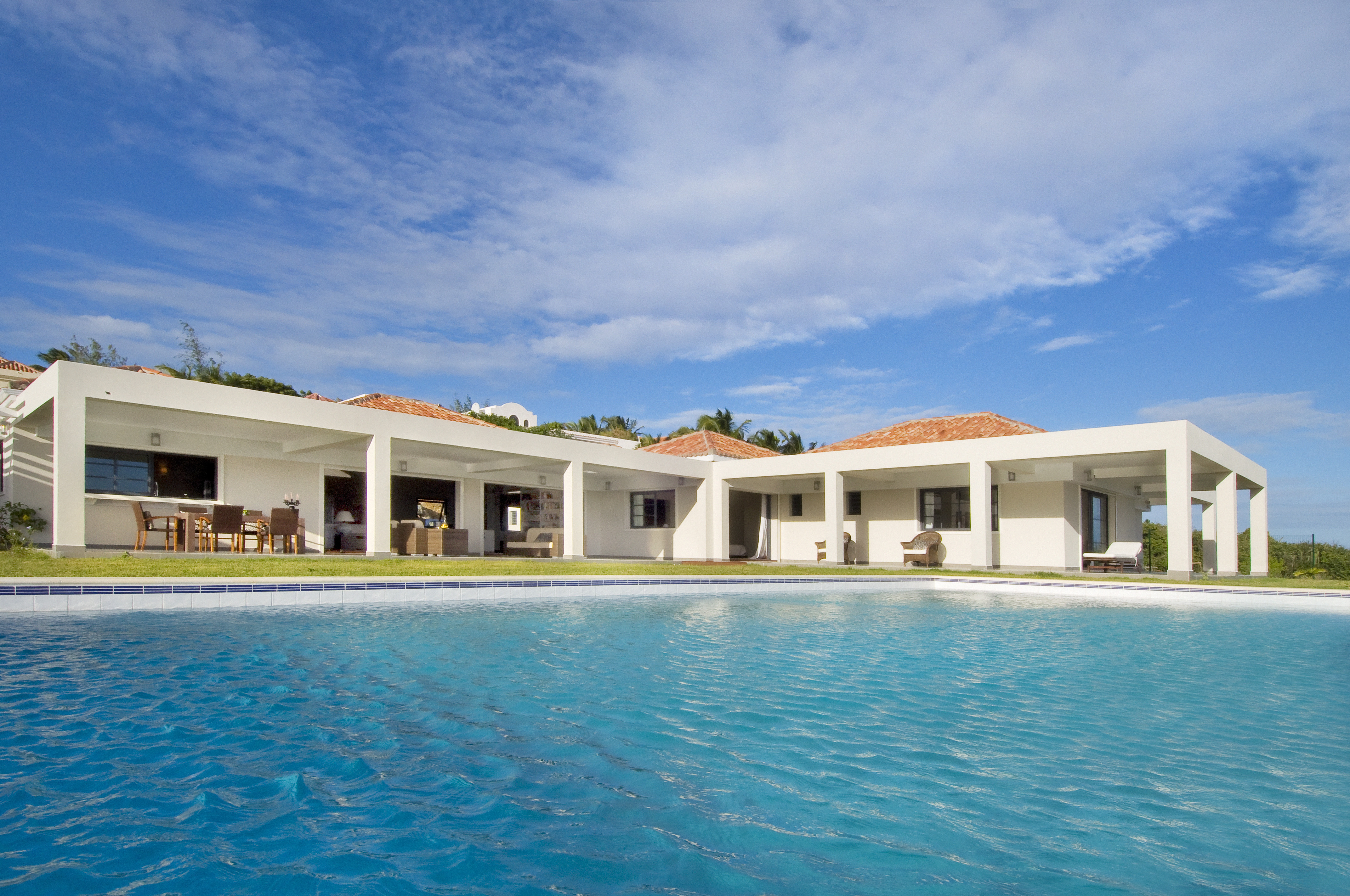 SM400 Private Swimming Pool