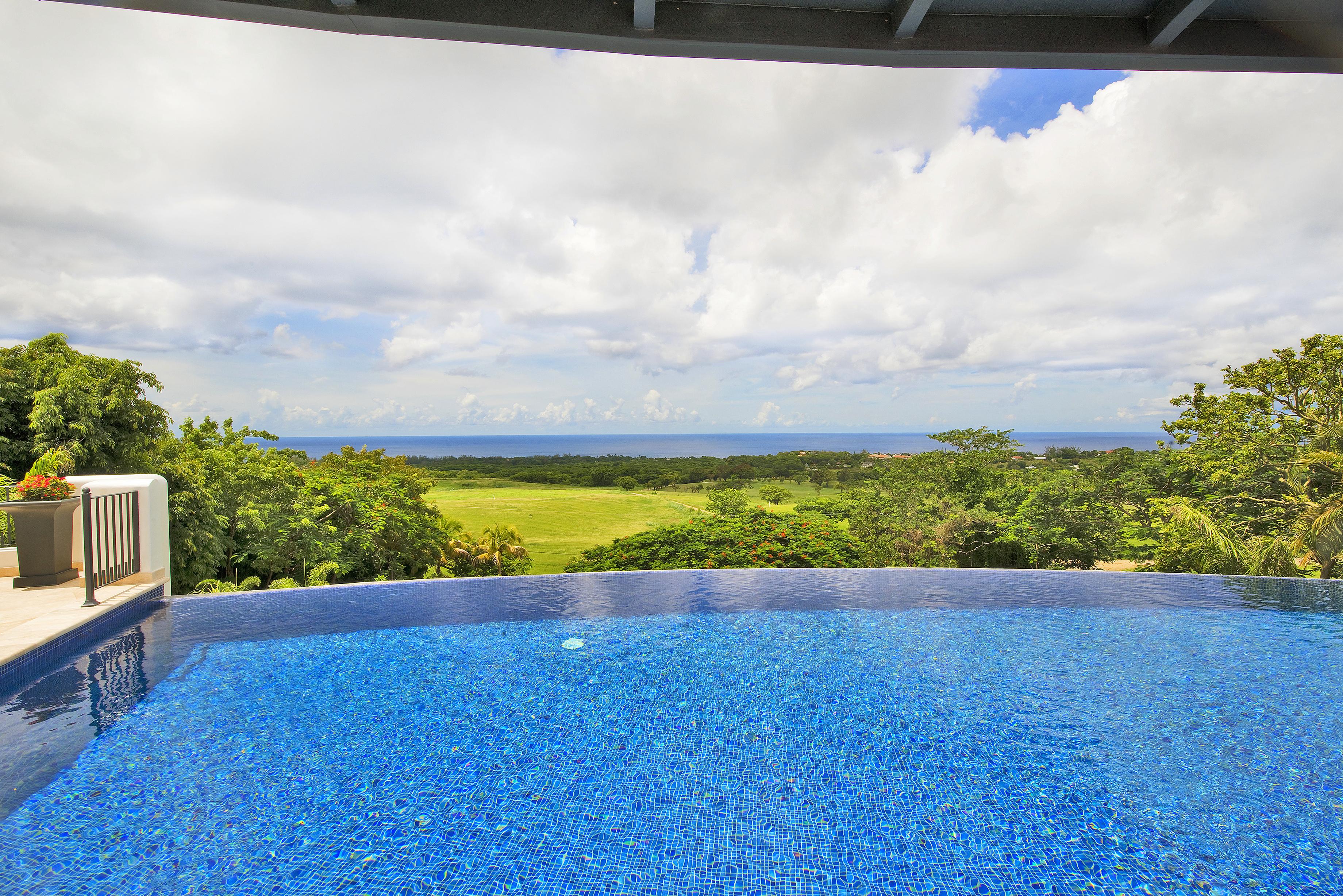 BB528 Pool View