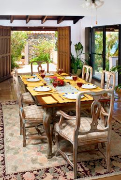 SM151 Dining Area