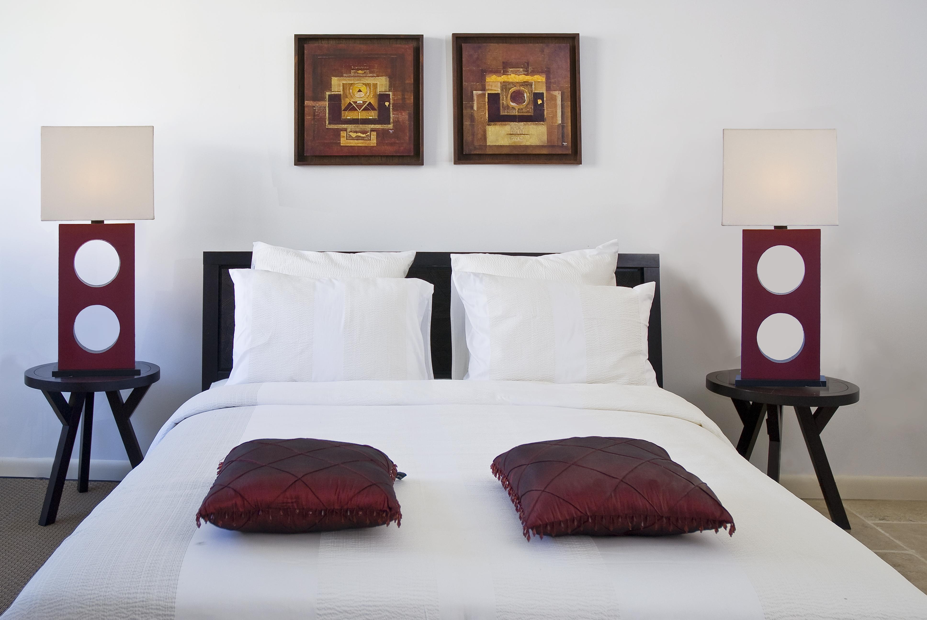 SM395 Queen Bedroom