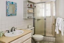 JM251 Bathroom1