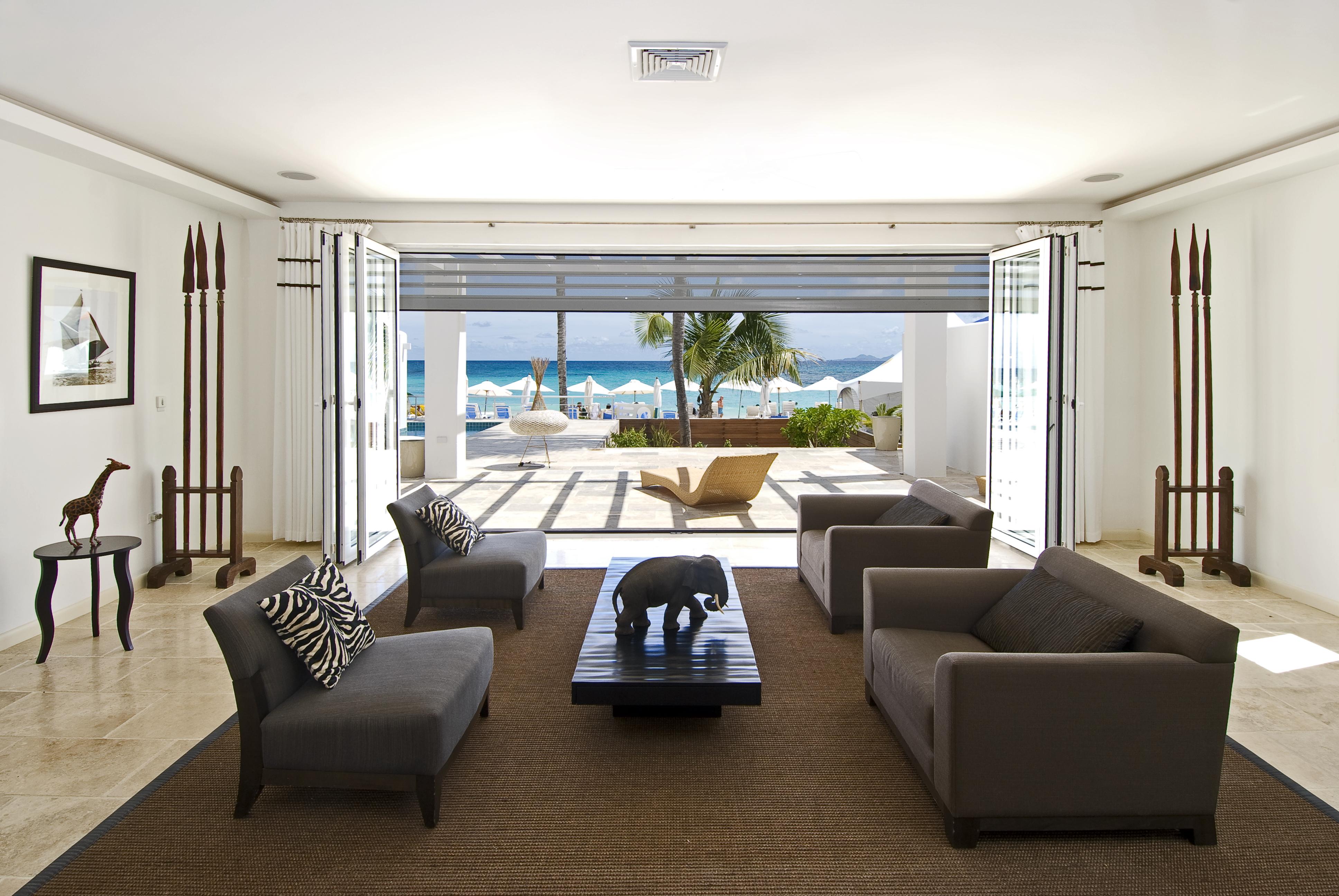 SM395 Living Area + Patio