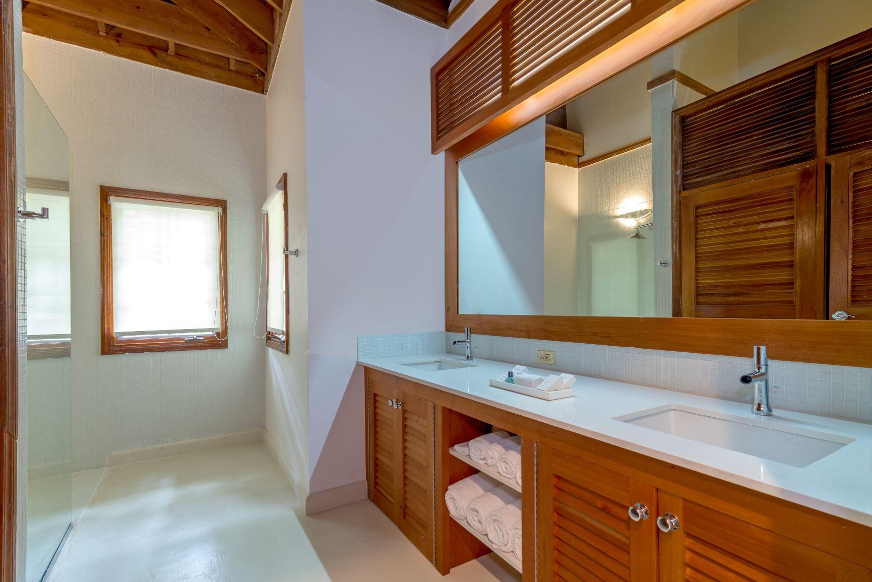 JM255 Guest Bathroom