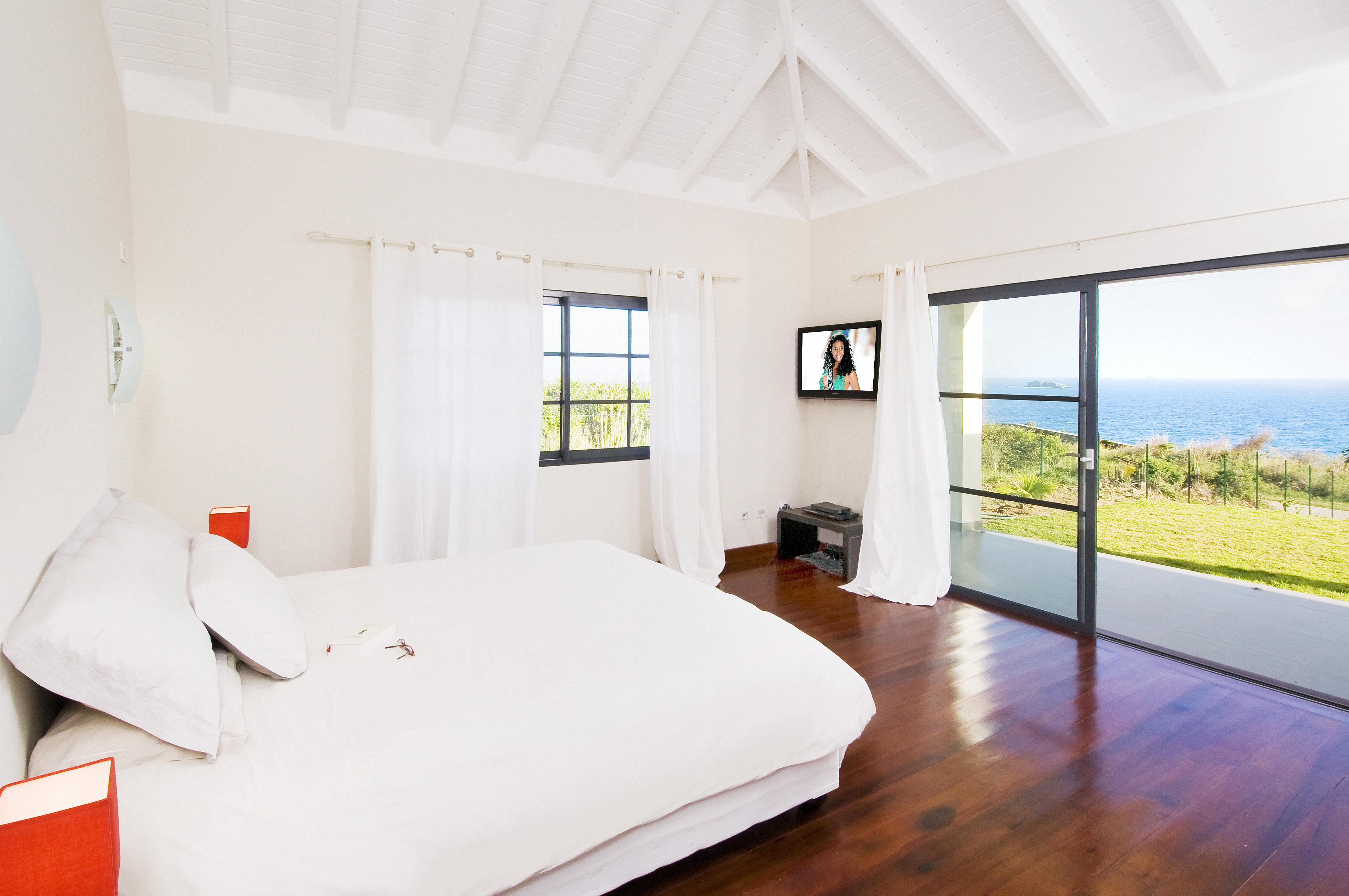 SM400 Bedroom 1