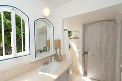 BB406 Master Bathroom