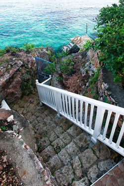 JM251 Stairs to Dock + Sea