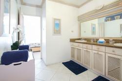BB330 Master Bath en Suite