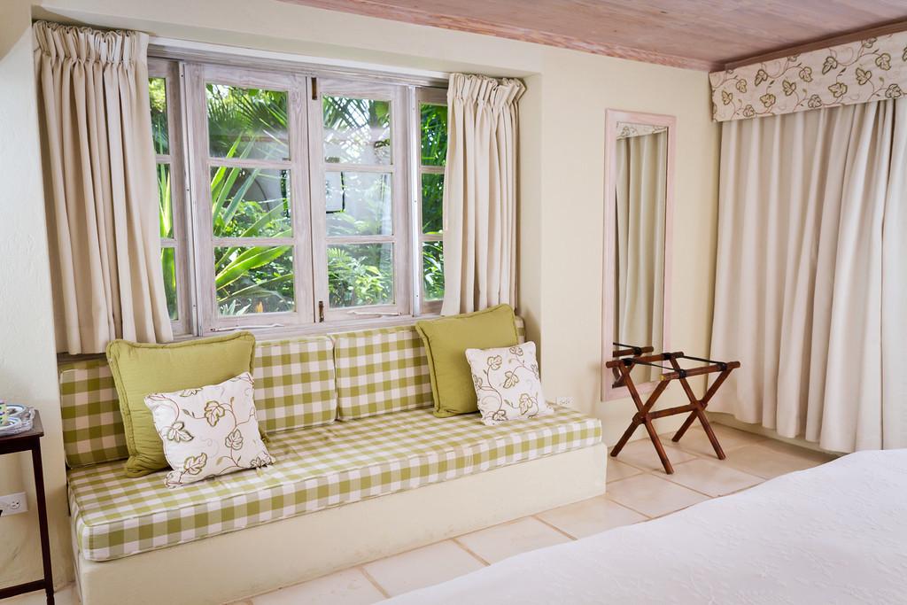 BB416 Queen Bedroom