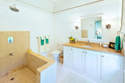 BB364 Bathroom