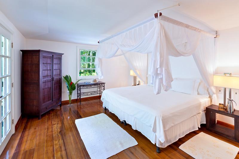 BB364 Cottage Bedroom