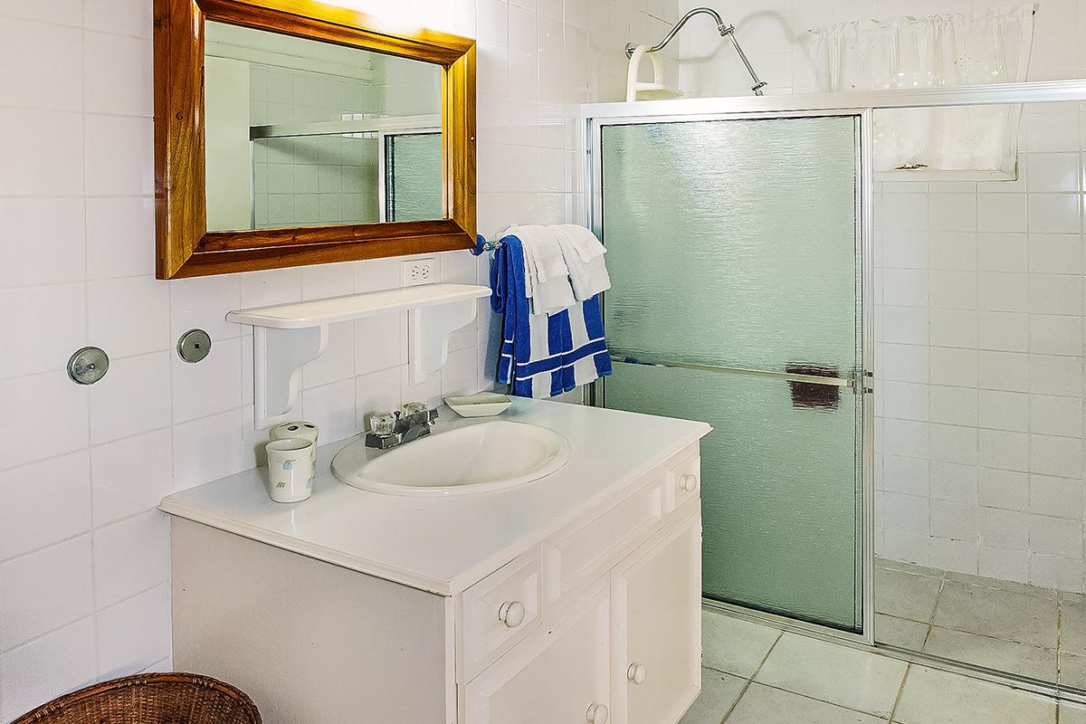 JM251 Bathroom 2
