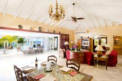 SM330 Living + Dining Area