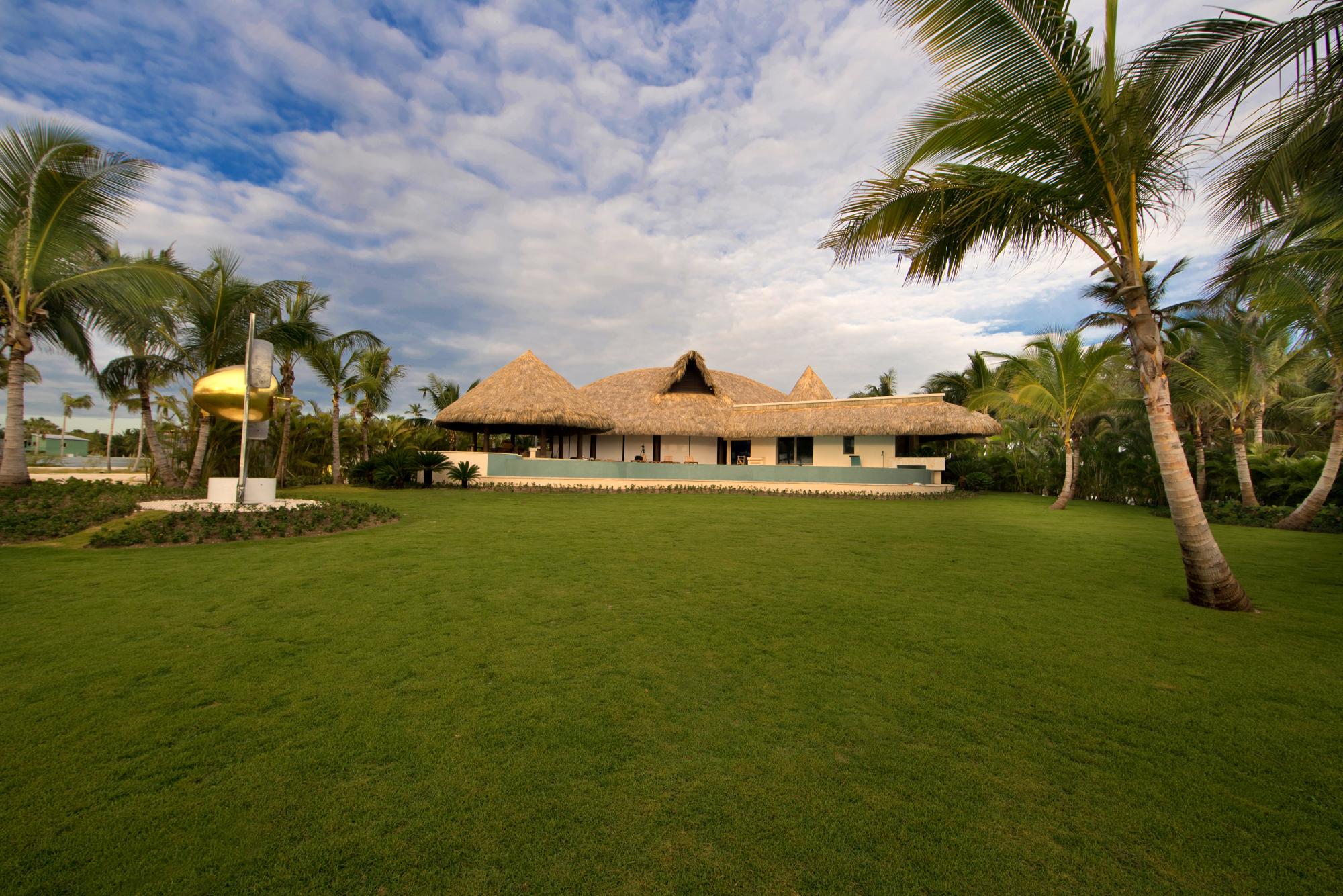DR300 Villa from Beach