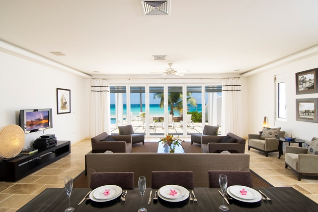 SM395 Living + Dining Area