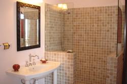 SM330 Guest Bathroom