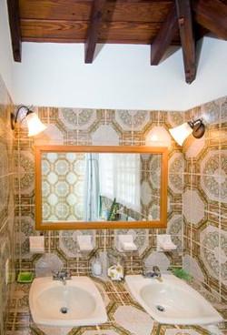 SM151 Bathroom