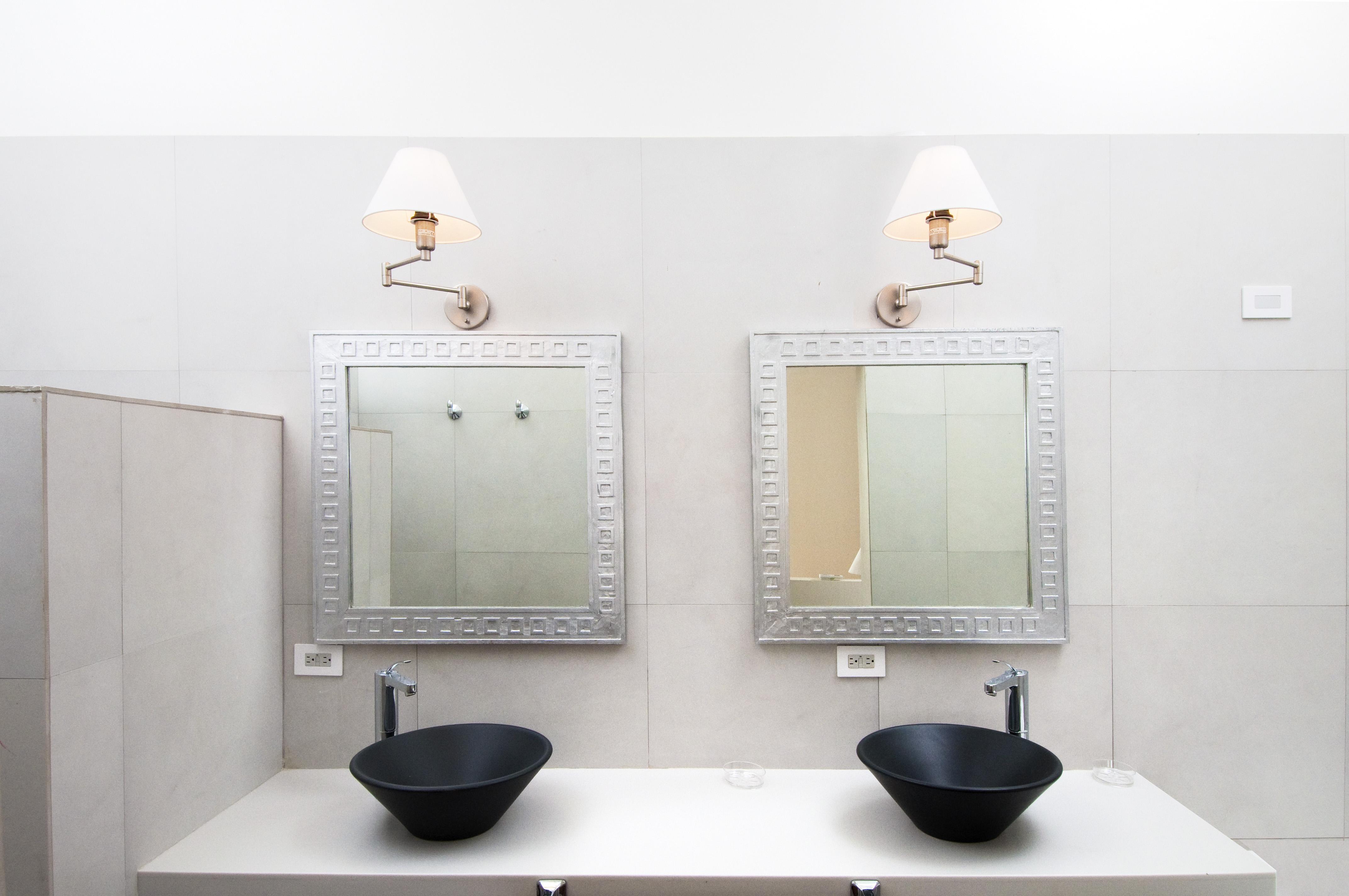 SM400 Bathroom 3