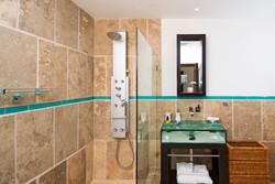 SM394 Bathroom