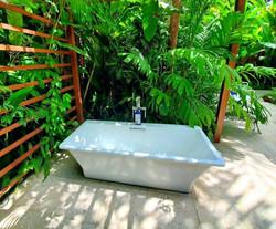 JM258 Garden Tub