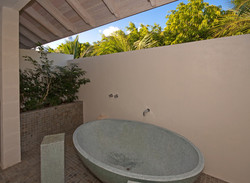 BB512 Garden Bathtub