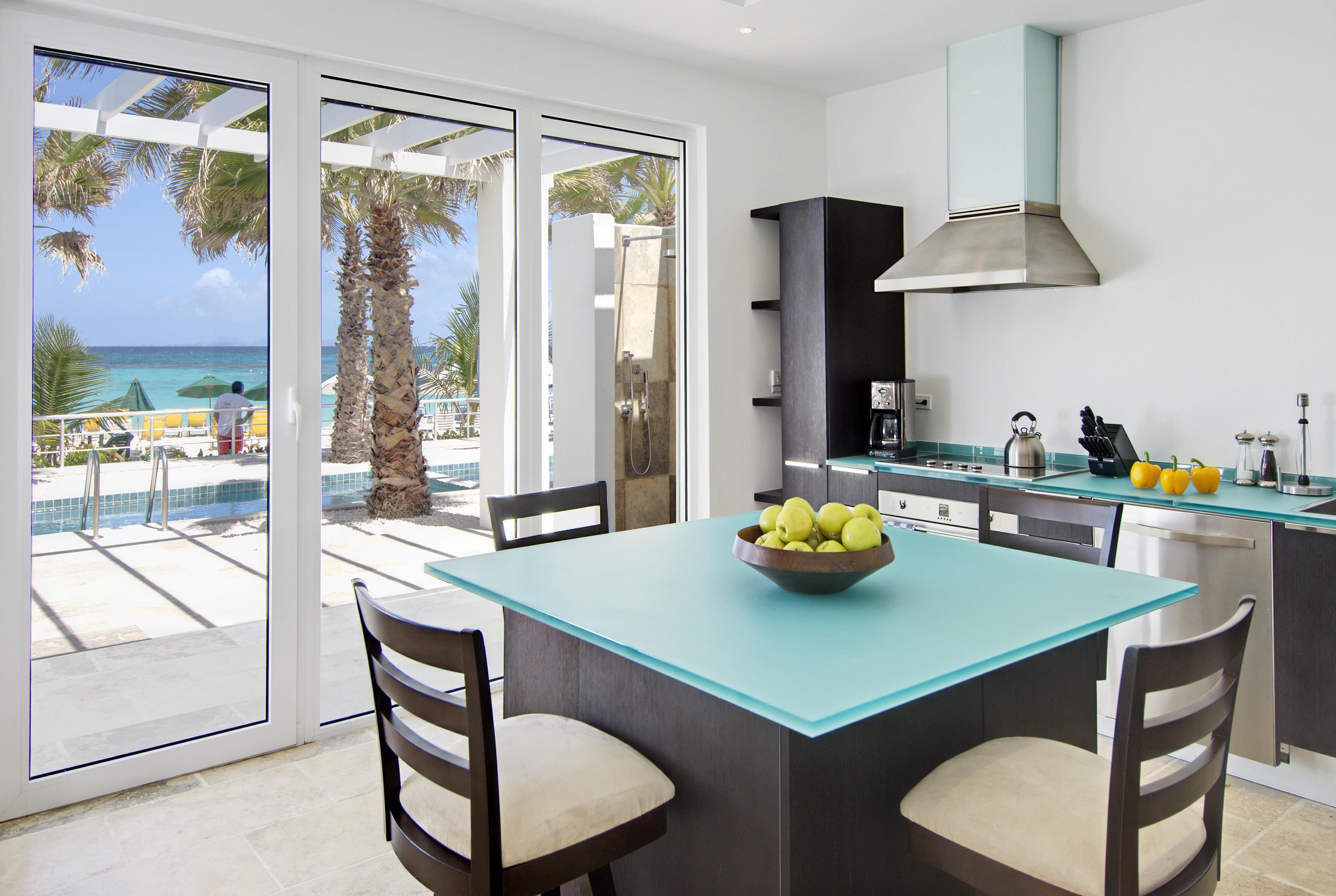 SM388 Beachfront Villa Kitchen