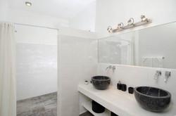 SM397 Bathroom