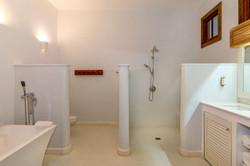 JM253 Bathroom