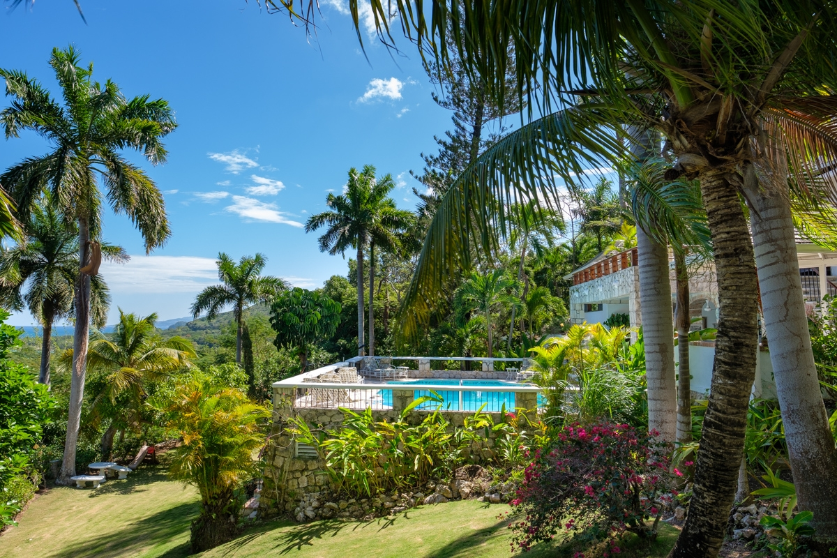JM149 Tropical Gardens