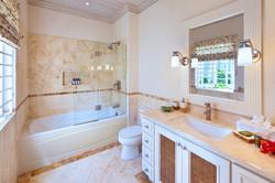 BB329 Bathroom 4