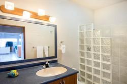 SM390 Apartment Bathroom