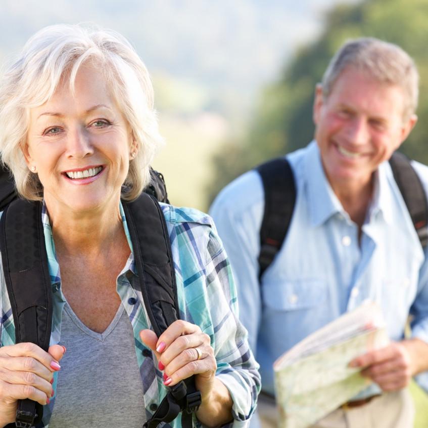 seniors-hiking-1