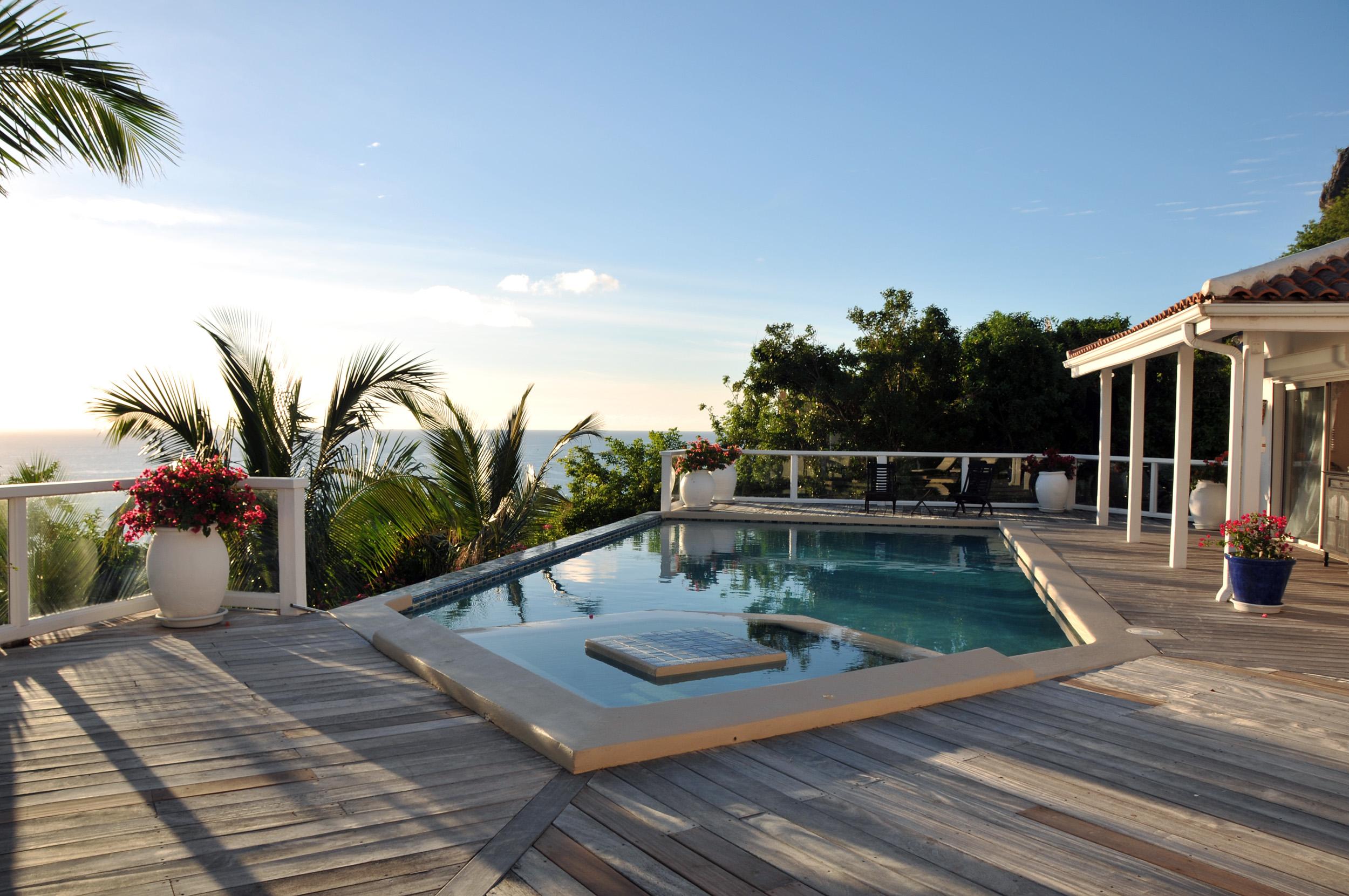 SM405 Pool + Deck