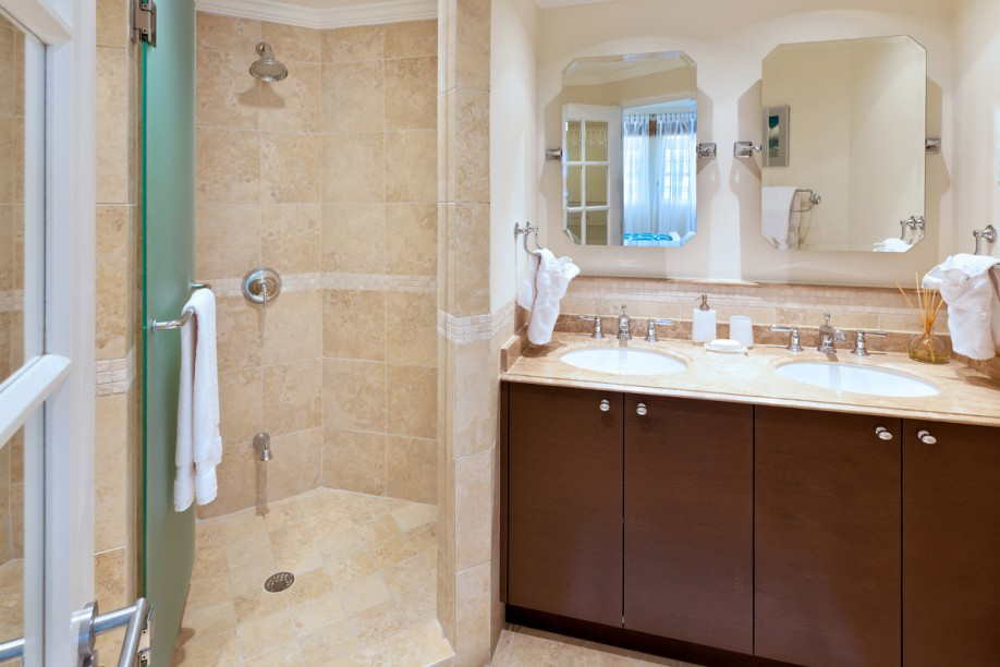 BB508 Master Bathroom