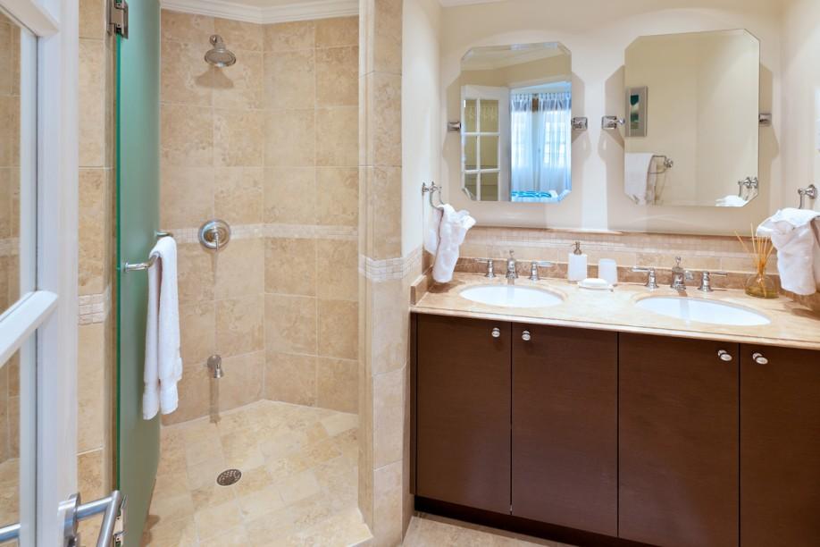 BB508 Master Bathroom