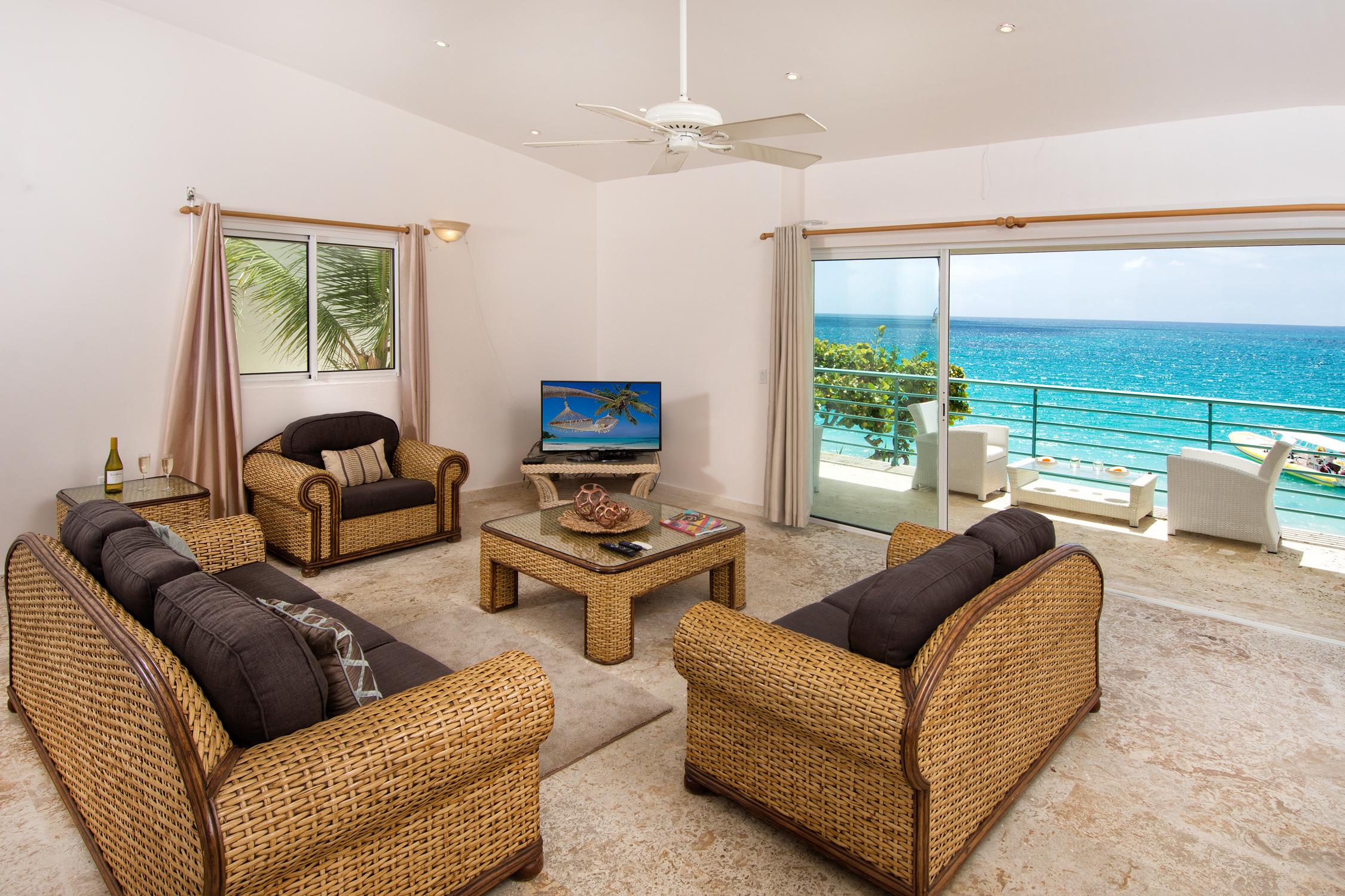 SM404 Elegant Living Area