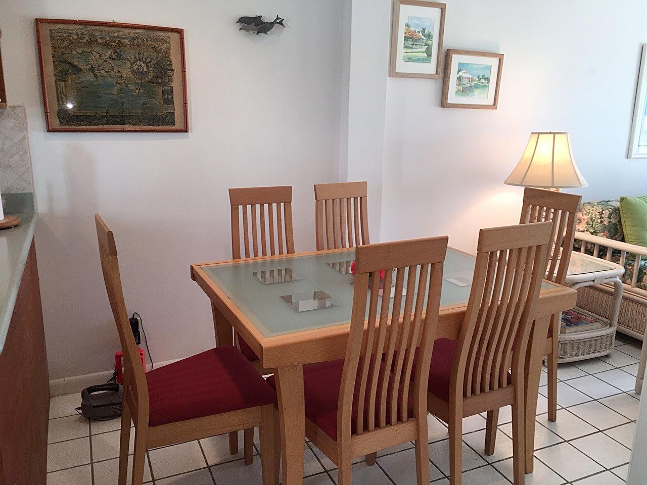 BH401 Dining Area