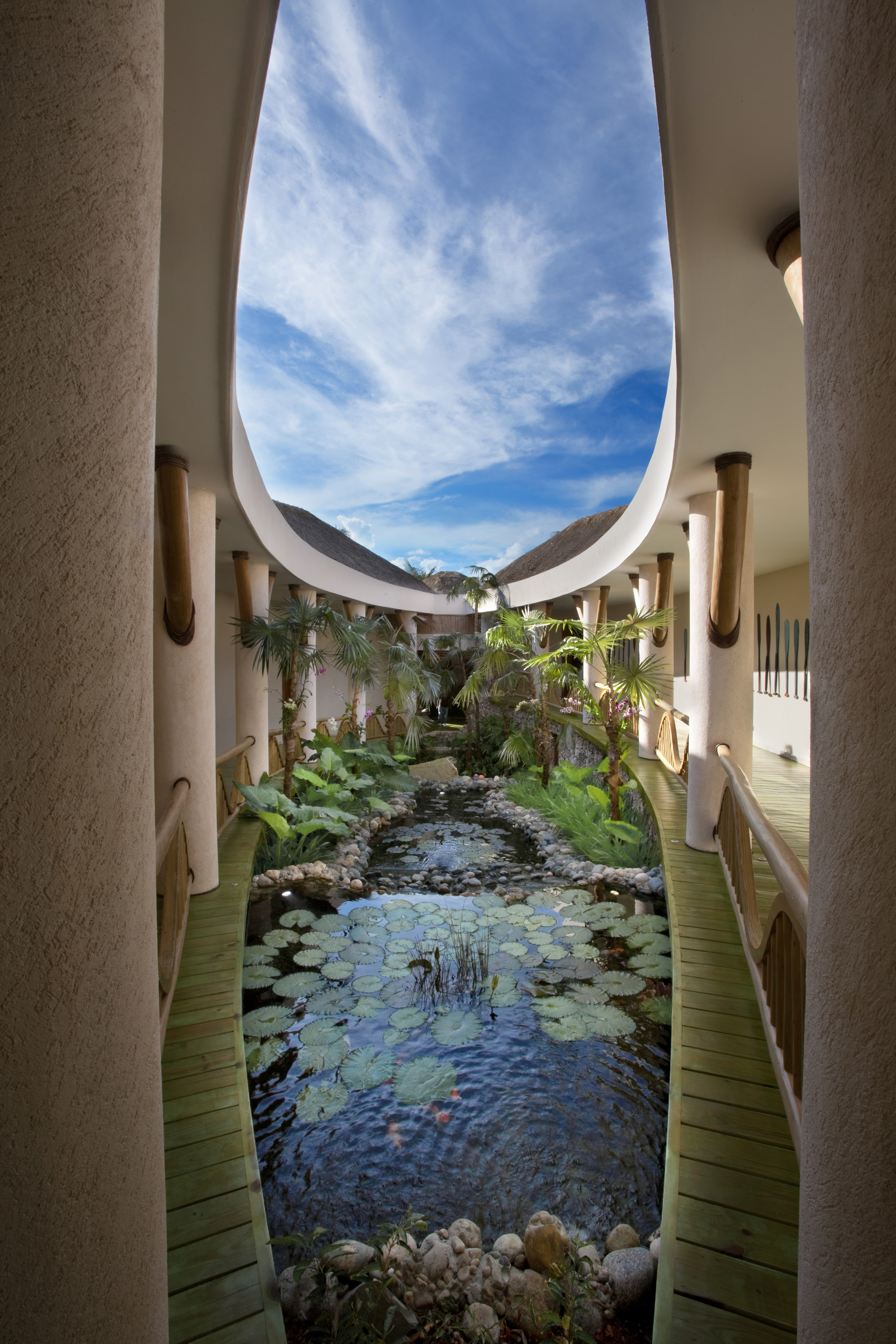DR300 Courtyard Water Feature