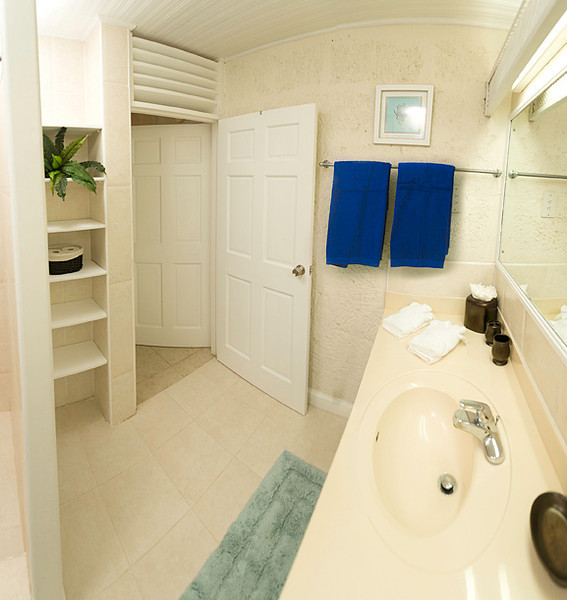 BB344 Bathroom