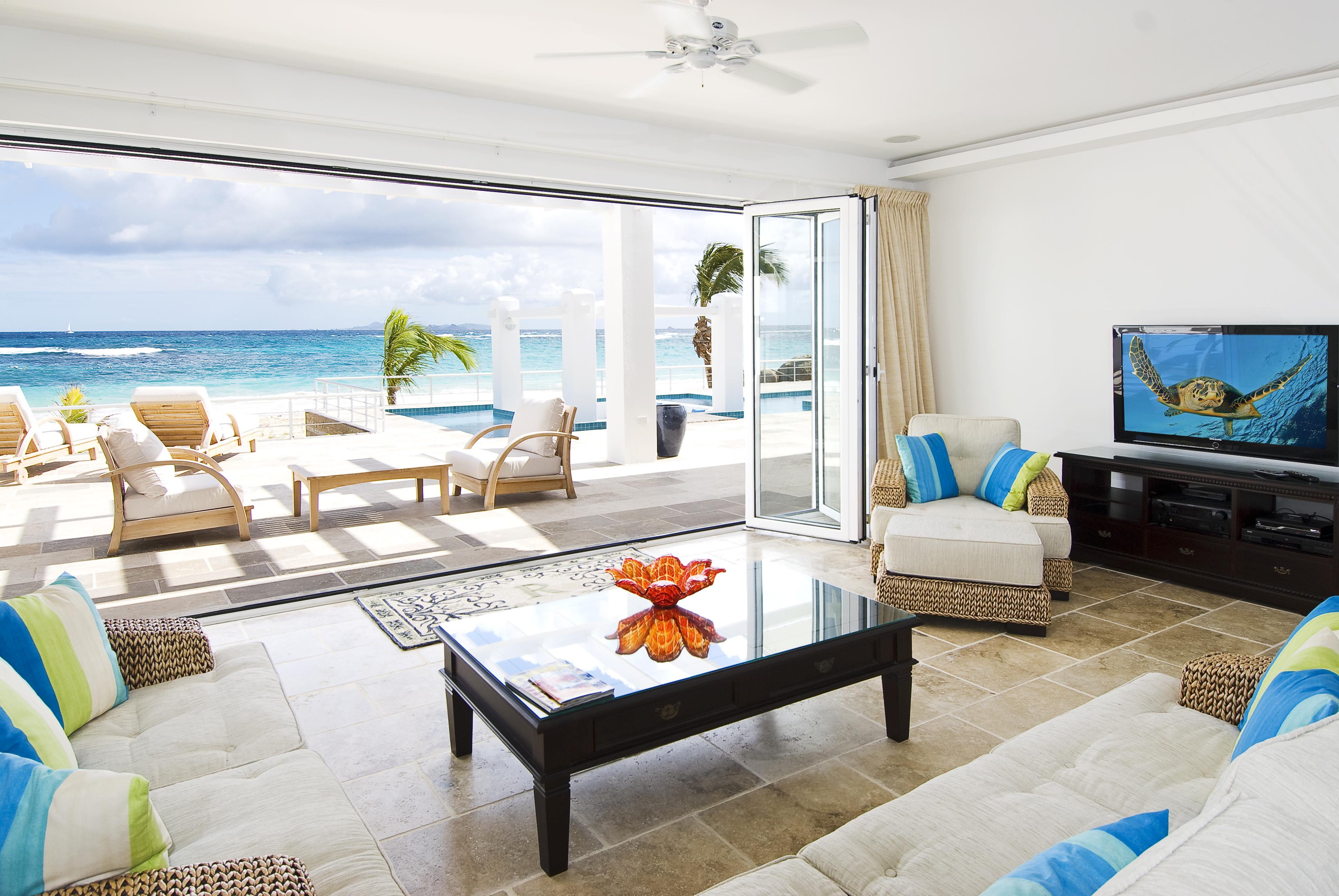 SM388 Beachfront Villa Living Room to Terrace