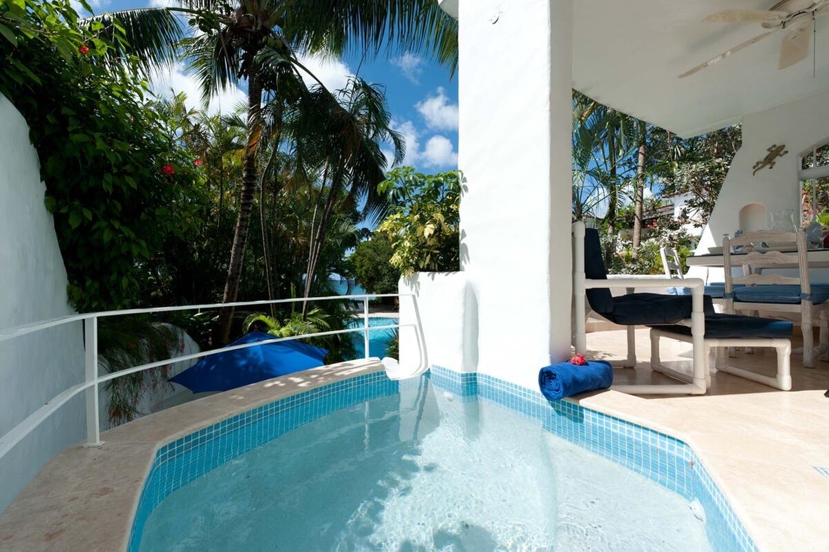 BB406 Private Plunge Pool