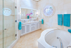 BB366 Bathroom 3