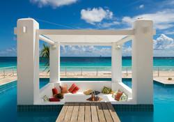 SM394 Beachfront Villa Pool
