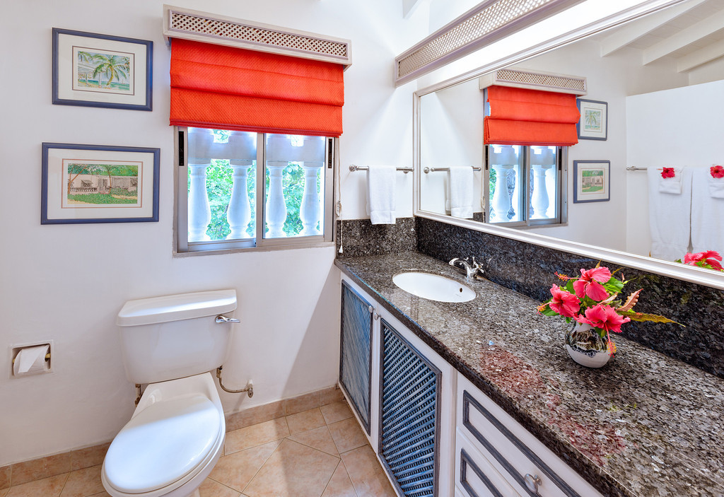BB336 Cottage Bathroom