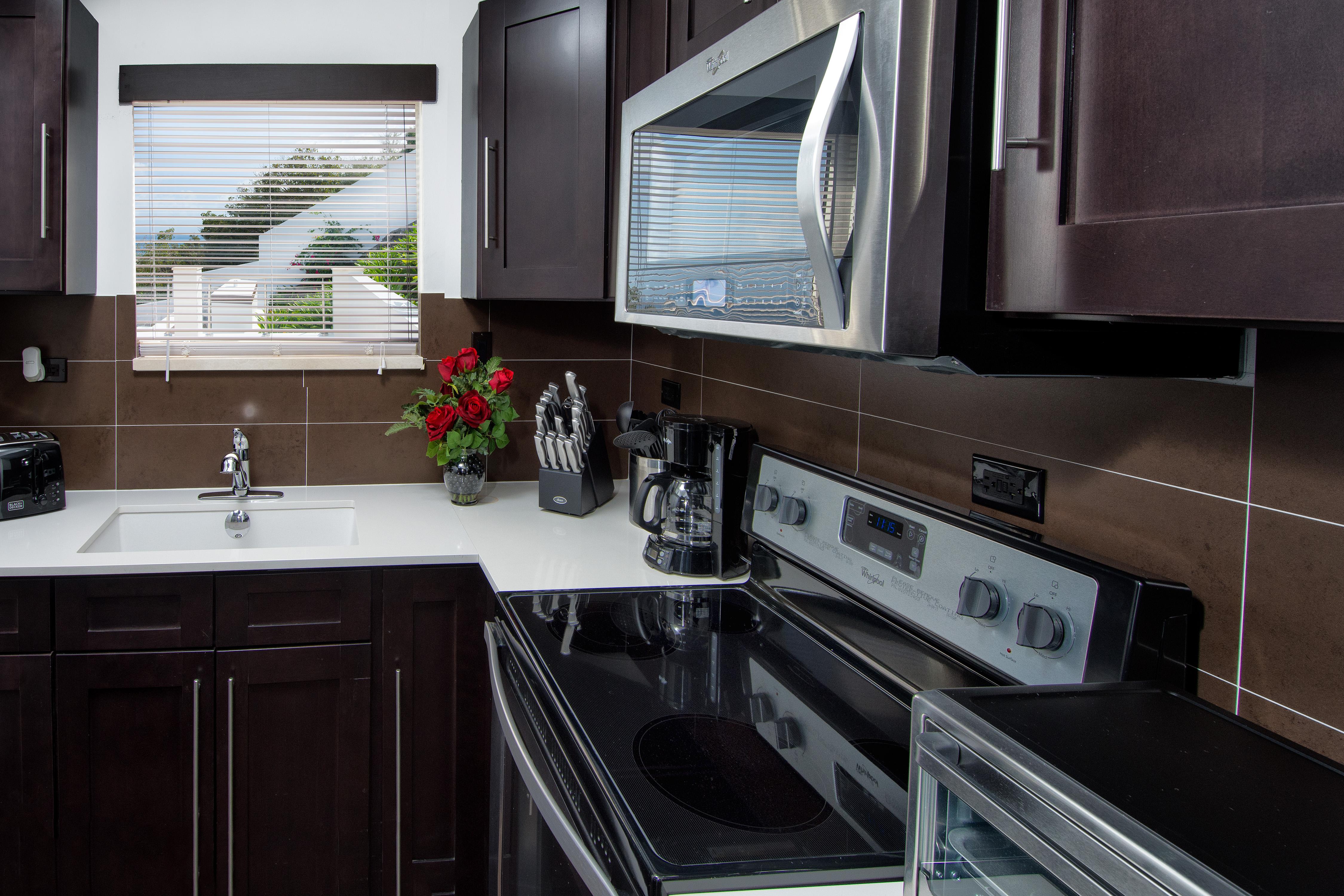 SM101 Apartment Kitchen