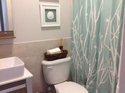 PR212 Guest Bathroom