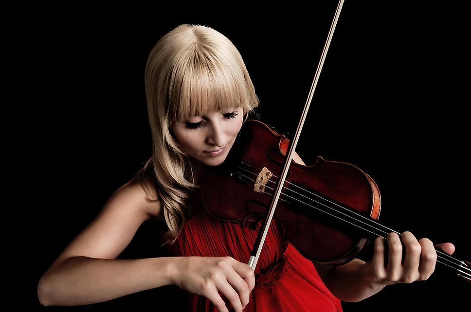 Lea Tuuri, violin