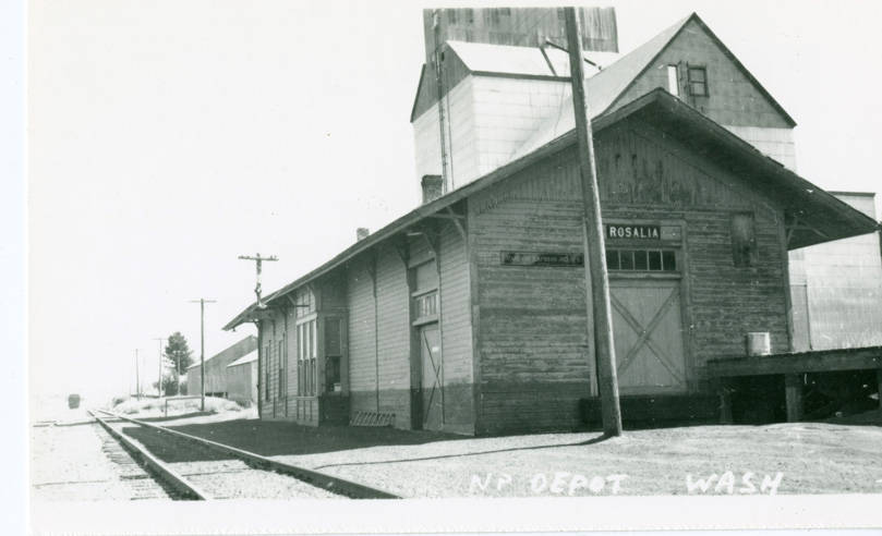 Railroad_depot_Rosalia_Washington_circa_1925